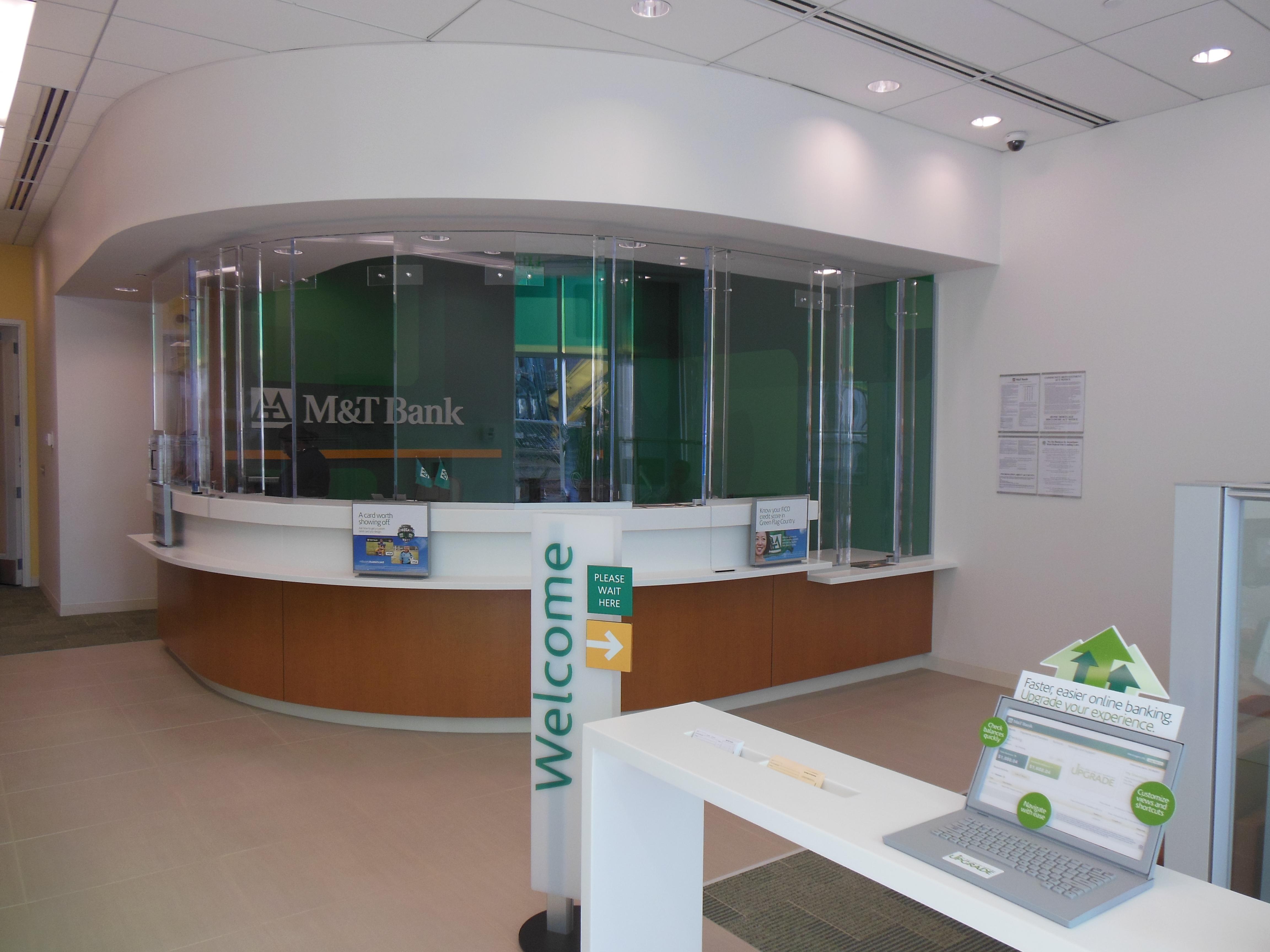 New M&T Bank Branch Opens at 400 East Pratt Street